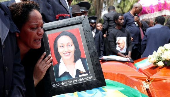 """Accidente del Boeing 737 MAX 8 de Ethiopian Airlines: los pilotos del siniestrado siguieron """"repetidamente"""" los procedimientos recomendados pero no funcionaron. (Reuters)."""