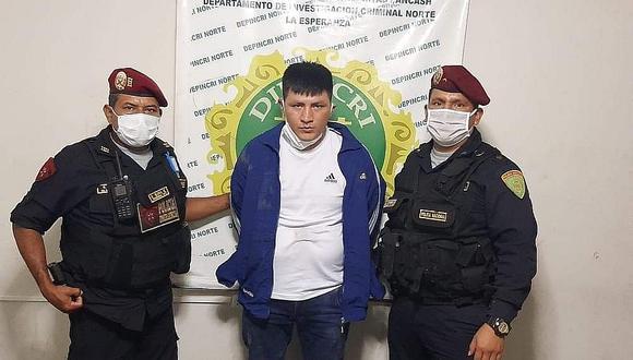La captura del interno sospechoso de COVID-19 se produjo en el distrito de La Esperanza, en Trujillo.