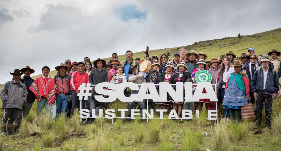 Scania, en alianza con la ONG Pachamama Raymi, hizo entrega de 30 mil pinos Radiata a la comunidad de Qquencconay ubicada a 4.000 m.s.n.m. en Paruro, Cusco. Este programa de responsabilidad social será fuente sostenible de ingresos para más de 40 familias.