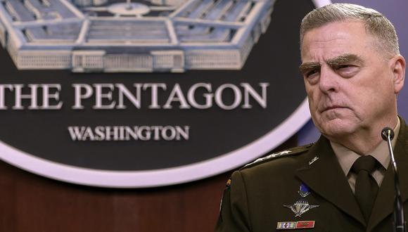 El presidente del Estado Mayor Conjunto del Ejército, general Mark Milley, sale después de una conferencia de prensa de fin de año en el Pentágono. (Foto: AFP)