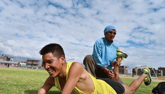 """SUS PIERNAS, """"UN REGALO"""". """"Mi vida cambió luego de Lima 2019. La gente me conoce más, y los seguidores aumentaron"""", recuerda Efraín sobre aquella competencia en que ganó el bronce. (Fotos: Luis MIranda)"""