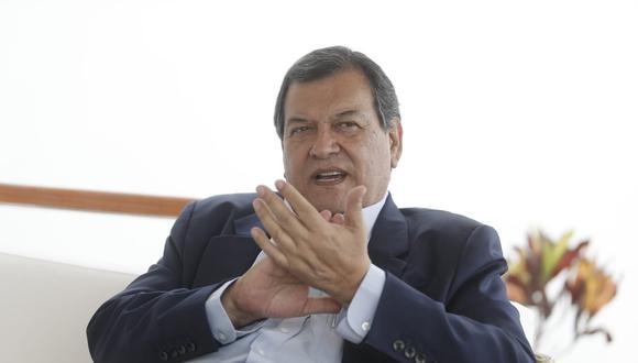 Jorge Nieto dijo que no está de acuerdo con la prohibición de la reelección de congresistas.  (Foto: César Campos | El Comercio)