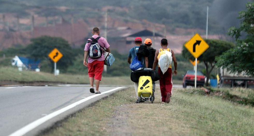 Hace menos de una semana que esta mujer de 32 años, que impartía clases en Valle de Tuy, próximo a Caracas, se despidió de sus dos hijas y dejó a su madre lo poco que tenía para el cuidado de las tres. (Foto: EFE)
