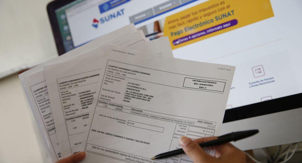 """""""El emisor tiene hasta siete días calendario para comunicar a la Sunat sus operaciones realizadas con boletas electrónicas. Por lo cual se sugiere consultar transcurrido dicho plazo"""", señala la Sunat (Foto: GEC)"""