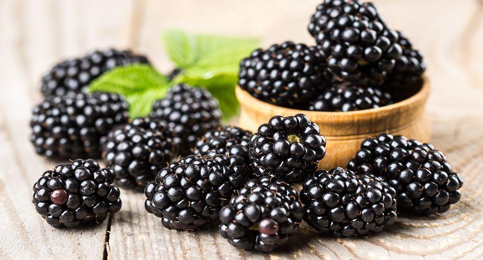 Alimentos de color azul o morados: Las uvas, arándanos, frambuesas y moras. Estos son antioxidantes y tienen un fotoprotector que protege a la piel de los efectos nocivos del sol. (Foto: shutterstock)