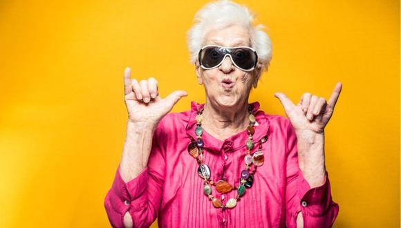 Las mujeres viven en promedio 4 años y seis meses más que los hombres. (Foto: iStock)
