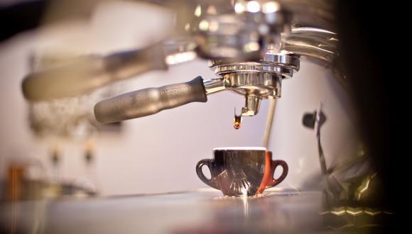 La pandemia frenó el avance de muchos emprendimientos cafeteros en el país, pero no los detuvo del todo. Con ingenio y creatividad muchos tostadores y baristas trabajan duro para mantenerse. (FOTO: RICHARD HIRANO / EL COMERCIO)