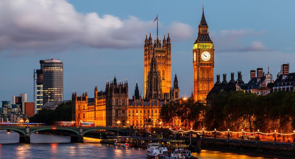 La ciudad inglesa posee atractivos icónicos; entre estos, la famosa torre del reloj Big Ben y el London Eye. E(Foto: Shutterstock)
