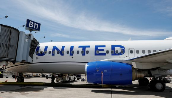United Airlines: Detienen a dos pilotos por ingerir alcohol antes del vuelo en el aeropuerto británico de Glasgow. (Reuters).