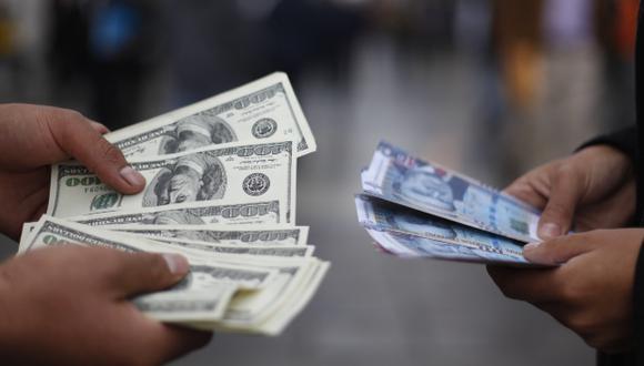 """El presidente de la autoridad monetaria, Julio Velarde, consideró que el dólar ya se ha fortalecido bastante y """"probablemente esté más allá de sus fundamentos"""". Foto: El Comercio"""
