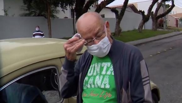 El brasileño Marcelo Siqueira tuvo que poner su Volkswagen a la venta por problemas financieros. (Foto: RPC)