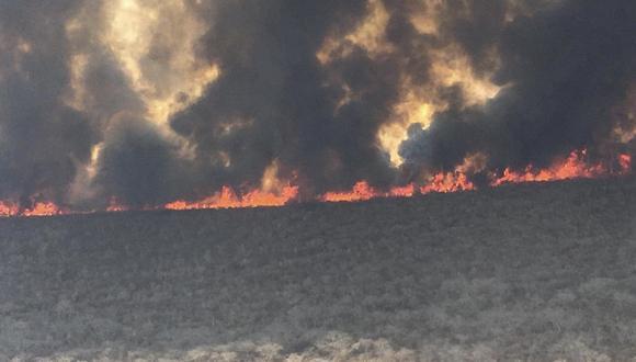 Una foto difundida por el gobierno del departamento boliviano de Santa Cruz el 9 de septiembre muestra las llamas que arrasan al bosque amazónico de San José de Chiquitos. (AFP)