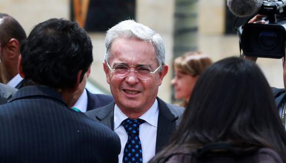 Álvaro Uribe felicitó así a Santos por Premio Nobel de la Paz