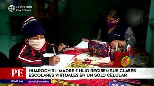 Huarochirí: Madre comparte su celular junto a su hijo para poder recibir sus clases virtuales