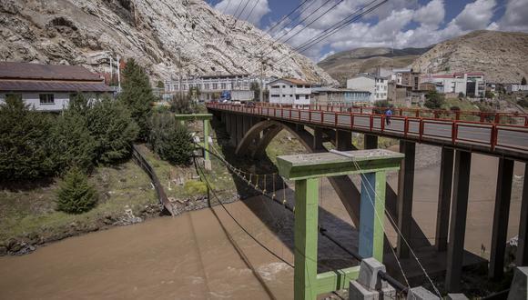 La obra de alcantarillado y agua potable que el Consorcio Altiplano debía entregar en el 2011 nunca fue terminada. Solo se ve un sistema de tuberías inconcluso. (Foto: Anthony Niño de Guzmán)