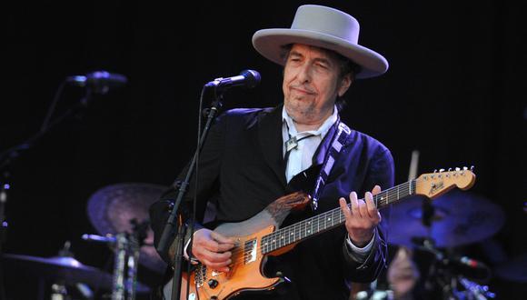 Viuda de excolaborador de Bob Dylan reclama parte del dinero obtenido por la venta de sus canciones. (Foto: AFP/FRED TANNEAU)