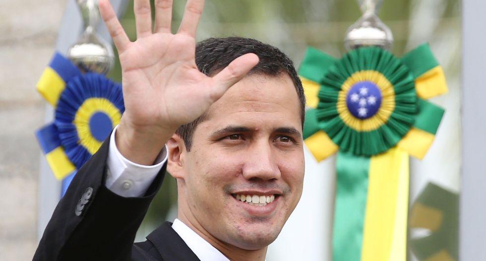 """Guaidó admitió que ha recibido amenazas, pero aún así aseguró que tiene previsto regresar a Venezuela durante el próximo fin de semana o """"a más tardar el lunes"""". (Bloomberg)."""