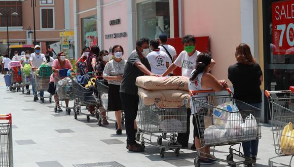 Los mercados y supermercados se han convertido en los principales focos de contagio, por ello las medidas de protección en estos establecimientos deben ser más rigurosas. (FOTO: LINO CHIPANA)