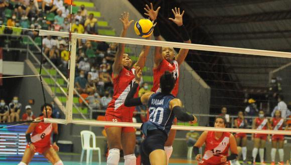 Perú derrotó 3-0 a Chile y sumó su segundo triunfo en el Sudamericano.