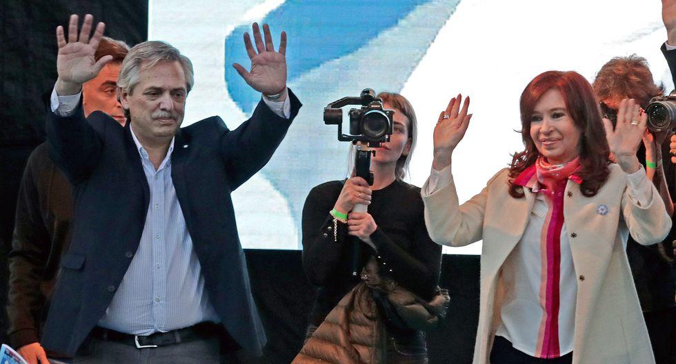 Alberto Fernández y su compañera de fórmula Cristina Kirchner. Ambos parten como favoritos para las elecciones del 27 de octubre en Argentina. (AFP).