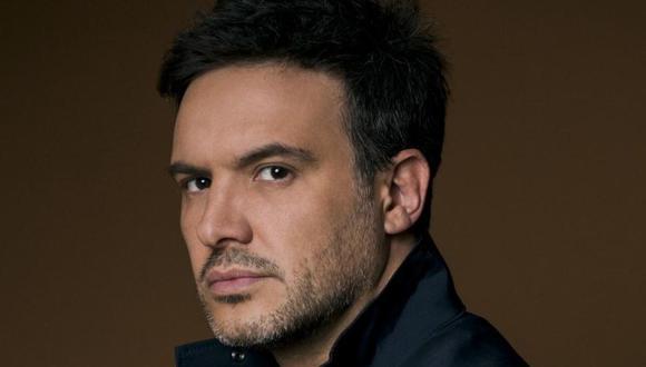 Álex de la Madrid interpreta a Ignacio Urrutia, esposo de Sofía Carranza, interpretada por la actriz Fernanda Castillo (Foto: Instagram/Alex de la Madrid)