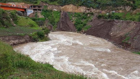 Huancavelica: auto cae al río Opamayo y desaparecen tres personas