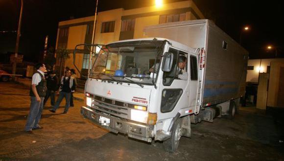 Delincuentes robaron un camión furgón en Huaral