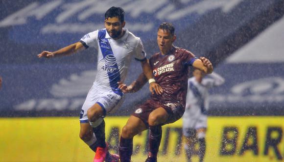 Cruz Azul, con gol agónico de Pineda, igualó en su visita a Puebla por la Liga MX   Foto: AFP