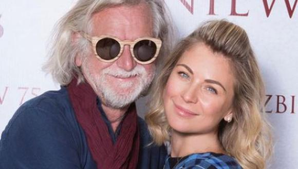 La actriz junto a su padre Zbigniew, a quien pudo abrazar después de varios meses de estar separados por la pandemia. (Foto: Ludwika Paleta / Instagram)