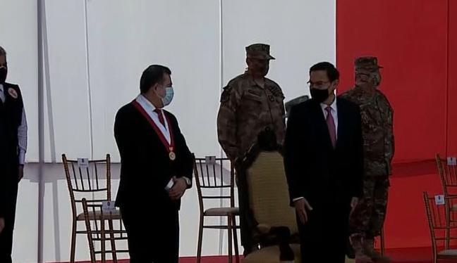 Presidente Martín Vizcarra y titular del Congreso, Manuel Merino, participaron en ceremonia por las Fuerzas Armadas (foto: Captura de pantalla TV)
