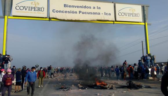 Ica: cientos de trabajadores del agro bloquean Panamericana Sur por sueldos bajos y piden solución (Foto: Facebook | Noticias de ICA)