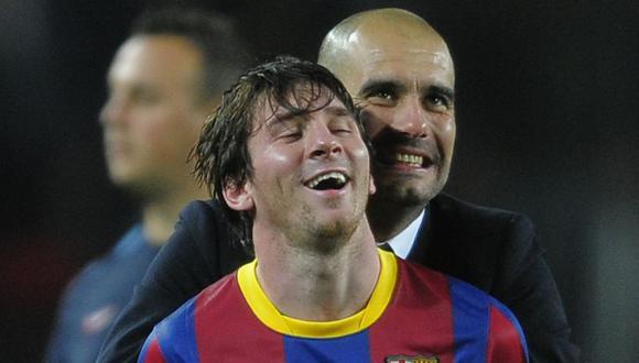 La emblemática foto de Pep Guardiola con Messi es de aquella temporada 2010/2011. (AP)