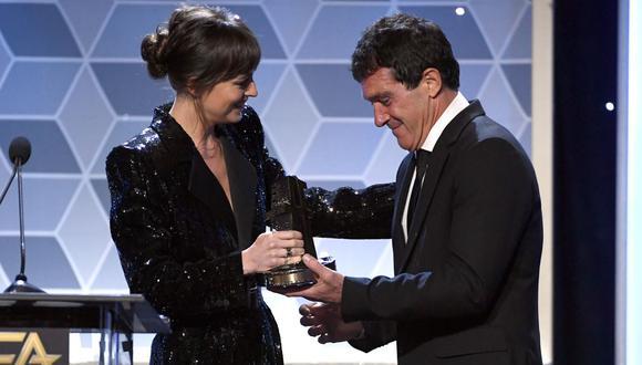 Dakota Johnson dedicó emotivo mensaje a su expadrastro Antonio Banderas. (Foto: AFP)