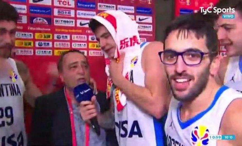 Campazzo se puso los lentes de Montesano. (Foto: captura de pantalla)