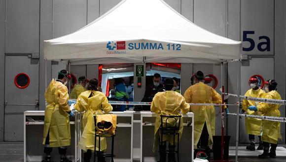 Un total de 2.355 enfermos de coronavirus están ingresados en cuidados intensivos y otros 3.355 se han curado, informó el ministerio de Sanidad de España. (Foto: AFP).