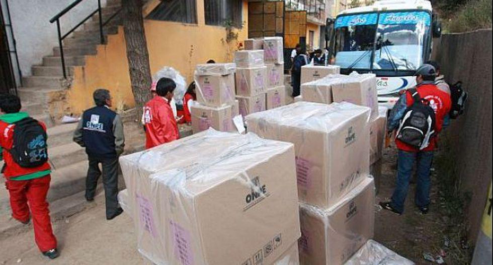 Sullana: enterraron cientos de cédulas de votación en colegio