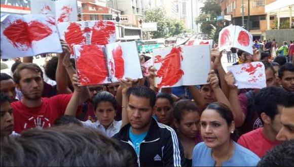 Venezuela: Estudiantes protestan ante Ministerio del Interior