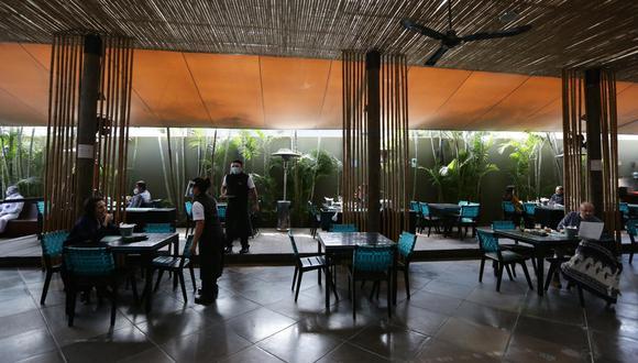 Los domingos, hasta antes del confinamiento, representaban el 25% de los ingresos de los restaurantes, señala ARPE. (Foto: Fernando Sangama | GEC)
