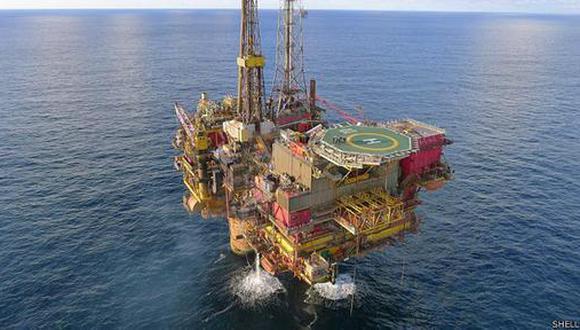 Cómo desmantelar una plataforma petrolera de 300 metros de alto