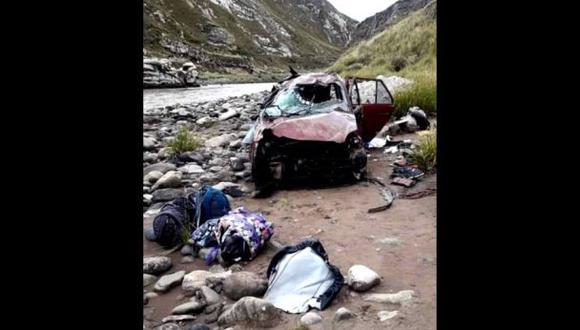 Junín: caída de camioneta a un abismo deja tres muertos y cinco heridos