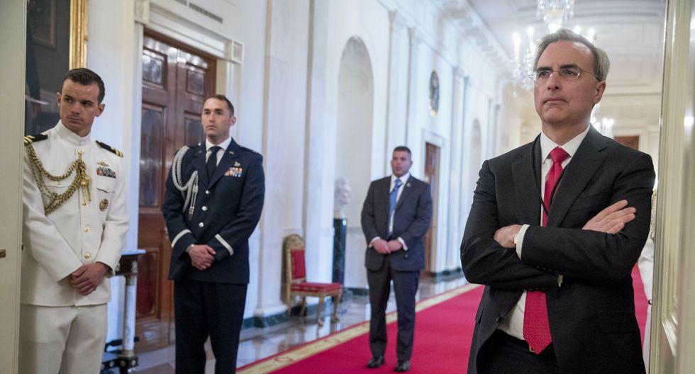 Pat Cipollone se unió a la administración Trump en el 2018 como abogado de la Casa Blanca. Es un abogado católico conservador que prefiere el perfil bajo. [AP]