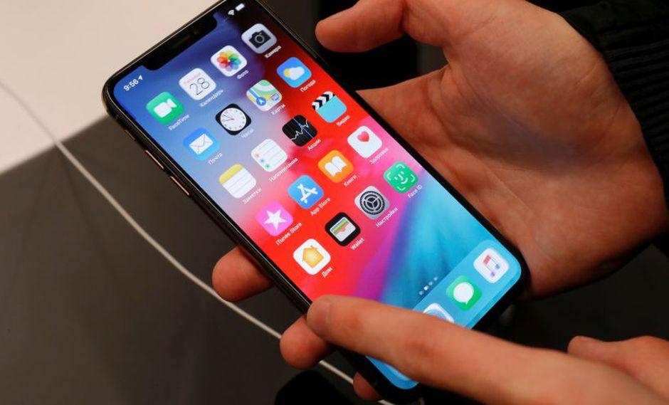 Según Apple, los nuevos estuches aumentan el tiempo de conversación en los modelos iPhone XS, XS MAX y XR. (Foto: Reuters)