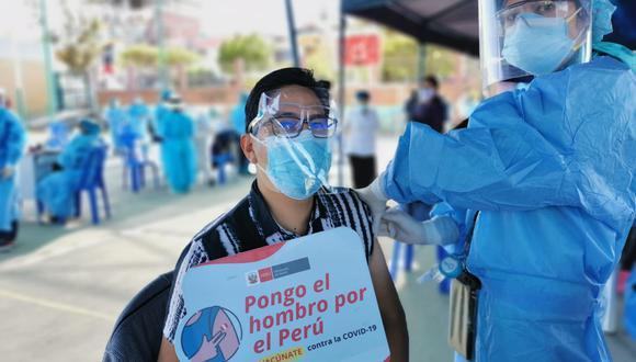 Arequipa tuvo un pico alto de fallecidos por la pandemia. Sin embargo, ahora es una de las regiones que más inoculados registra. (Foto: Geresa Arequipa)