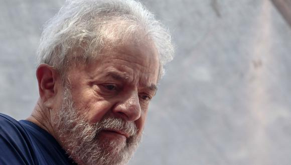 El mes pasado, Fernández visitó al expresidente Lula en la cárcel de Curitiba, en el sur de Brasil. (Foto: AFP)