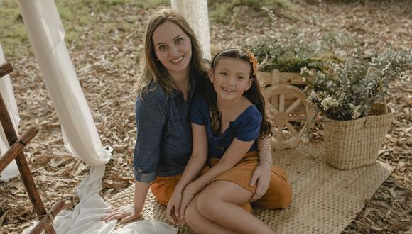 Yordana López y su hija Antonia, la inspiración de todos sus emprendimientos. (Foto: María Bashi)