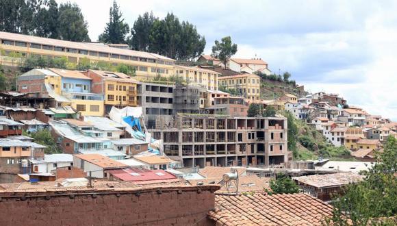 La construcción del Hotel Sheraton dañó al menos cinco filas de andenes incaicos. (Foto: archivo El Comercio)