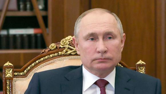 El presidente de Rusia, Vladimir Putin, asiste a una reunión con el jefe de la agencia espacial rusa Roscosmos en Moscú el 20 de febrero de 2021. (Mikhail Klimentyev / SPUTNIK / AFP).