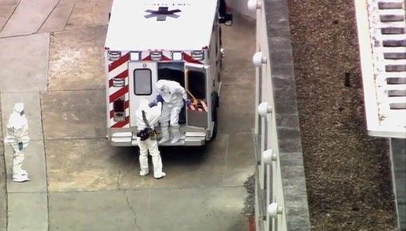EE.UU. recibe por primera vez a un infectado con ébola