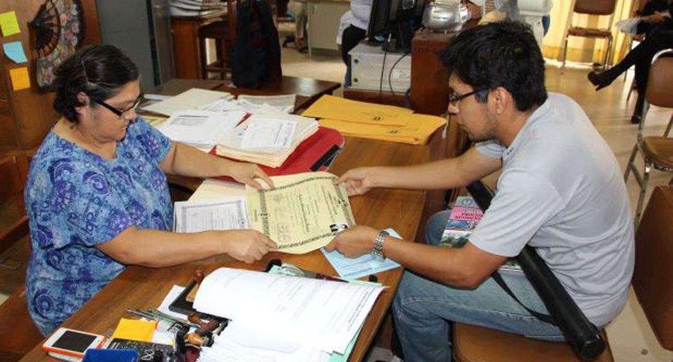 Lambayeque: egresados afrontan problemas para validar diplomas
