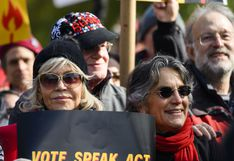Jane Fonda marchó hasta la Casa Blanca en protesta por la crisis climática